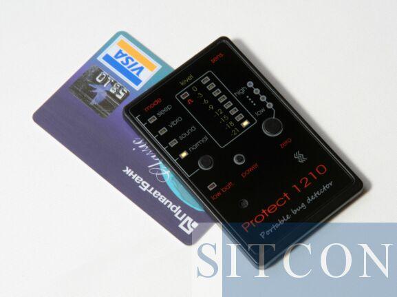 Wideband transmitter detector - Credit card